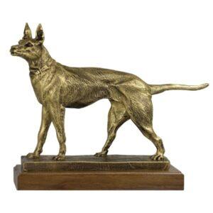 Figura de perro de caza
